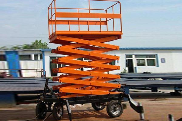 升降货梯是如何靠液压系统完成工作的?